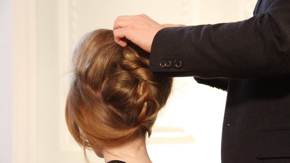 Top Characteristics of a Best Hair Stylist